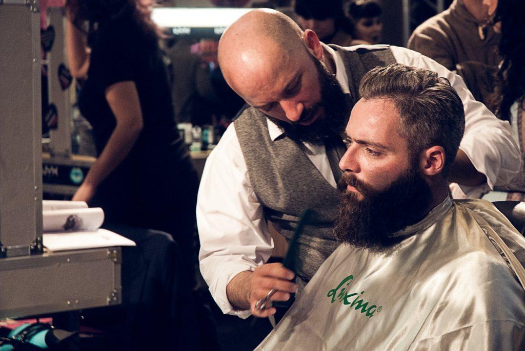 como atrair clientes para barbearia