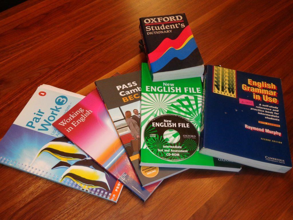 como-atrair-alunos-para-escola-inglês-livros-ensino